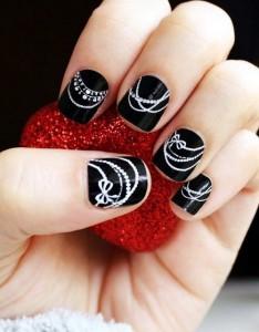 uñas cortas decoracion lineas blancas negro