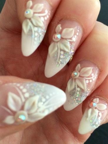 uñas decoracion bodas perlas flores 3d